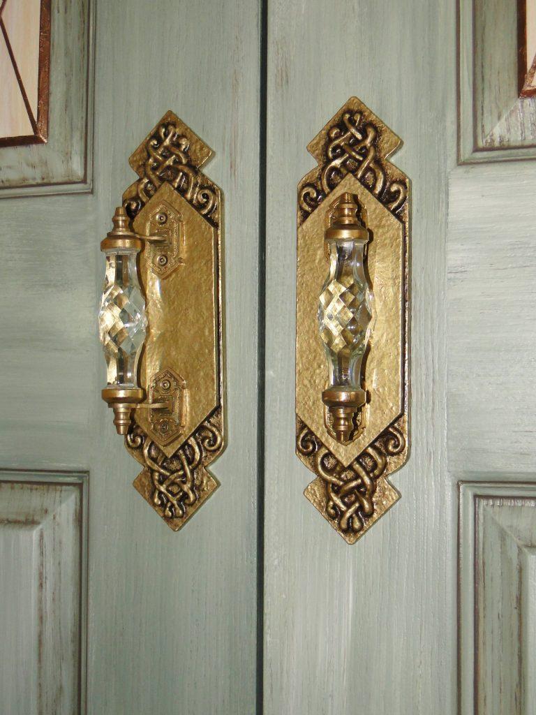 door2 handles